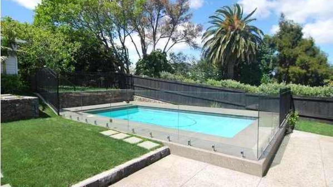 Pool Fencing Bardon